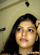 Neha pics 16. Neha lascivious housewife from Bangalore posing
